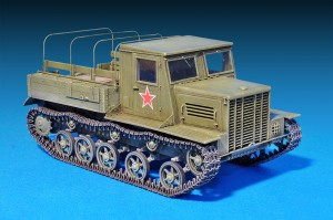 Photos 35140 Ya-12 SOVIET ARTILLERY TRACTOR. LATE PRODUCTION