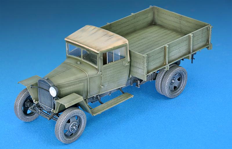 35134GAZ-MM Mod.1943 カ-ゴトラック フィギュア2体付