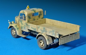 Photos 35150 MB 1500A 4×4 CARGO TRUCK