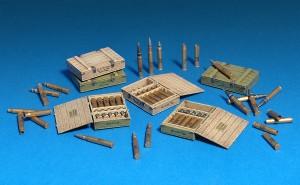 Photos 35064 SOVIET 57-mm & 76-mm SHELLS w/AMMO BOXES