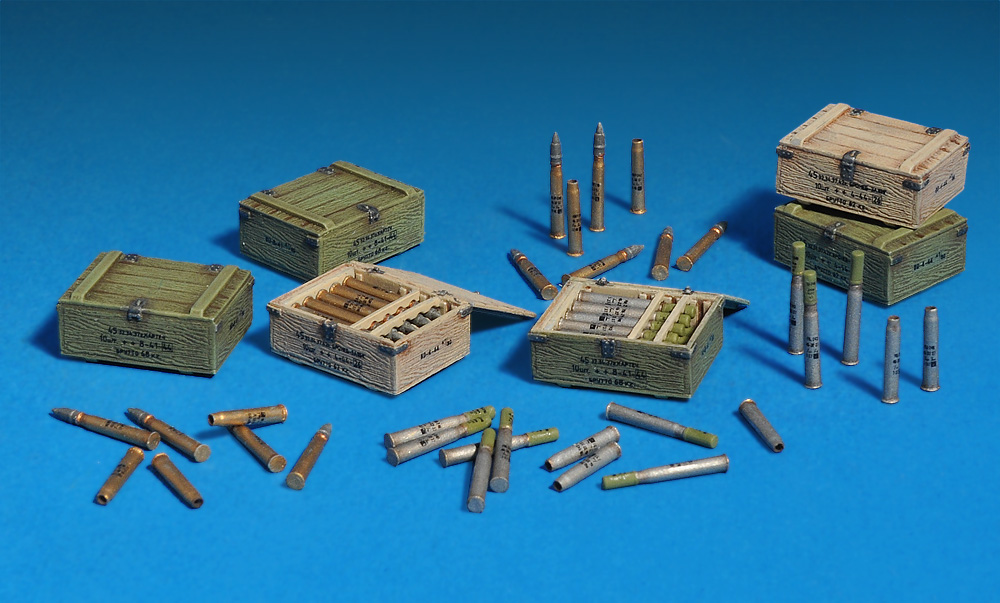 35073 SOVIET 45-mm SHELLS w/AMMO BOXES