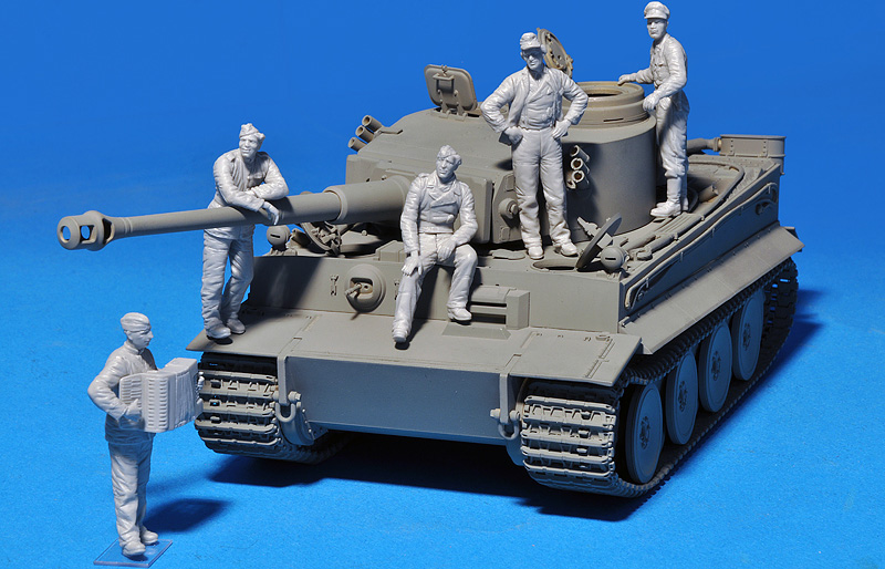35132 GERMAN TANK CREW (Normandy 1944)