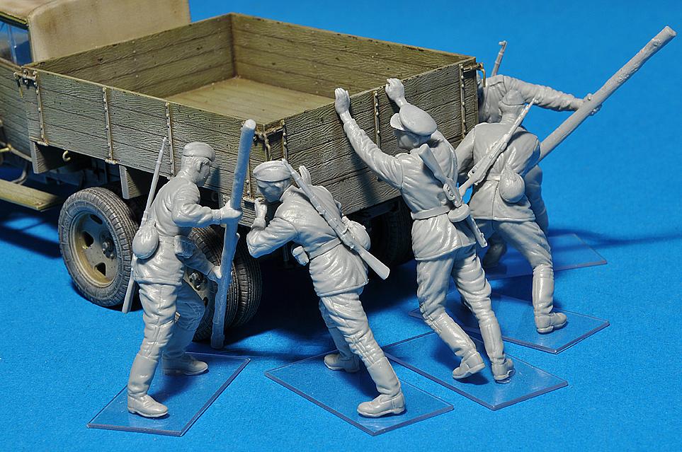 35137ソビエト歩兵作業シ-ンフィギュア5体入