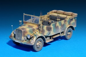 Photos 35139 Kfz.70 MB 1500A GERMAN 4×4 CAR w/CREW
