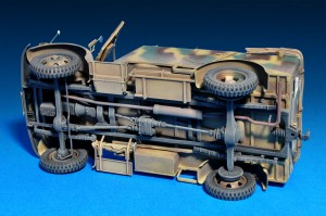 Photos 35139	ドイツ軍kfz.70MB1500A 4X4フィギュア6体付