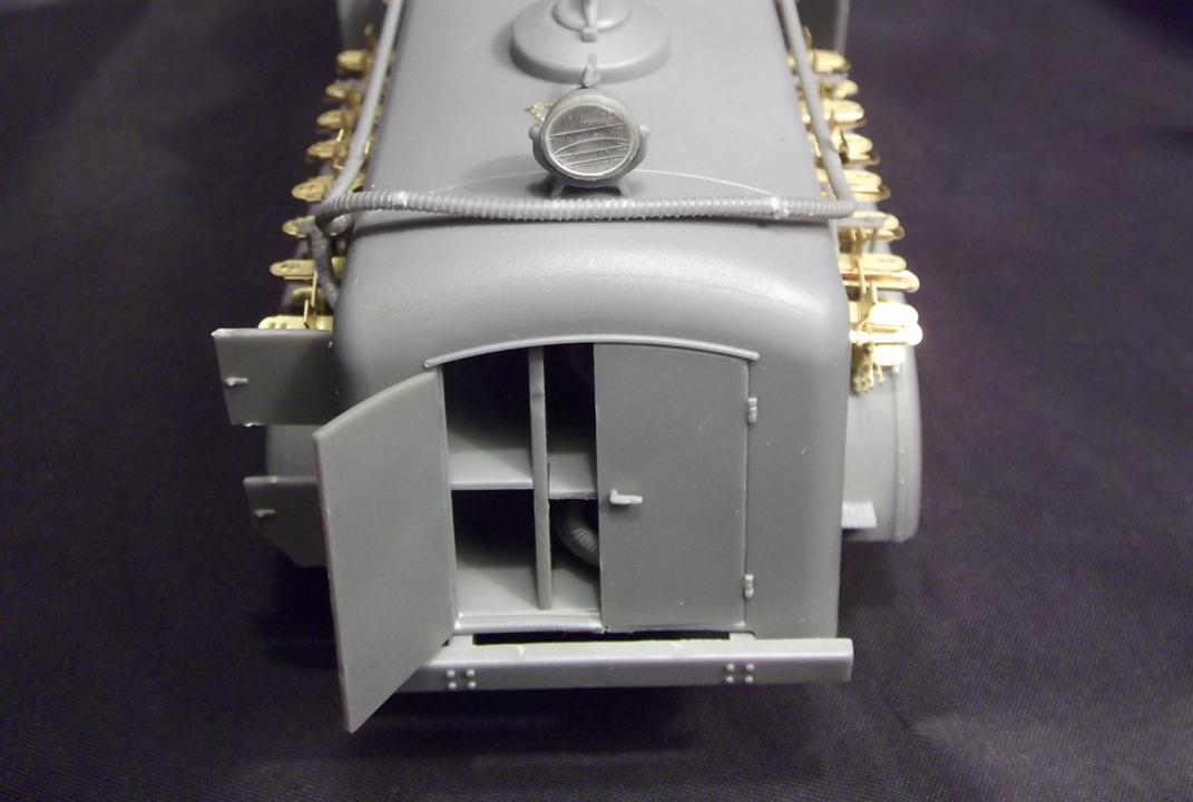 35145 BZ-38 REFUELLER