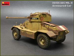 Build up 35155 AEC Mk.II ARMOURED CAR