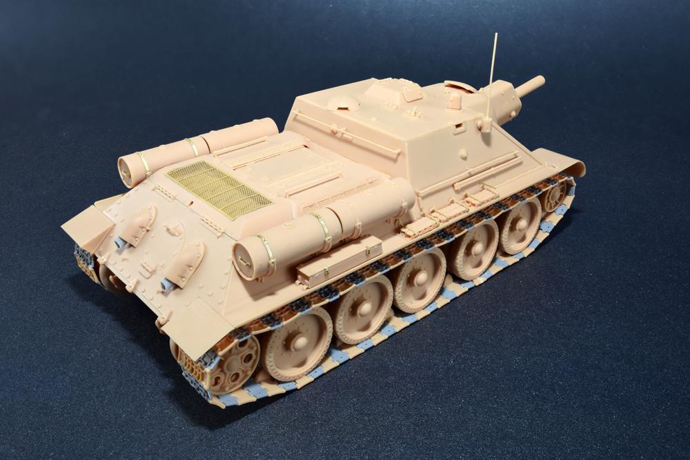 35175 SU-122 anfängliche Produktion, Bausatz mit Innenausstattung