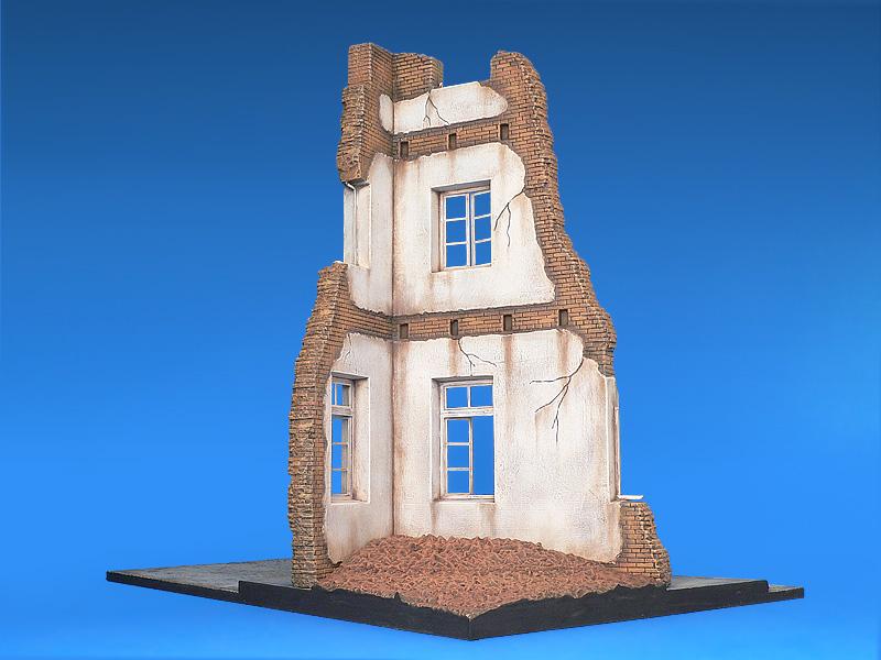 36012 DIORAMA w/RUINED HOUSE