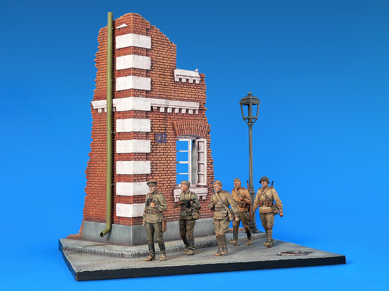 36014 INFANTRY IN THE CITY