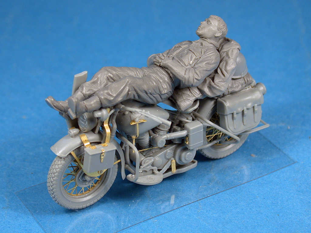 35176 REST ON MOTORCYCLE