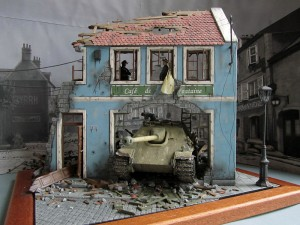 36007 BUDAPEST 1945 + 35008 GERMAN SELF-PROPELLED GUN CREW