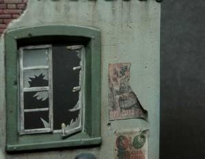 36001 STREET w/RUINED HOUSE + 35078 BRITISH TANK CREW