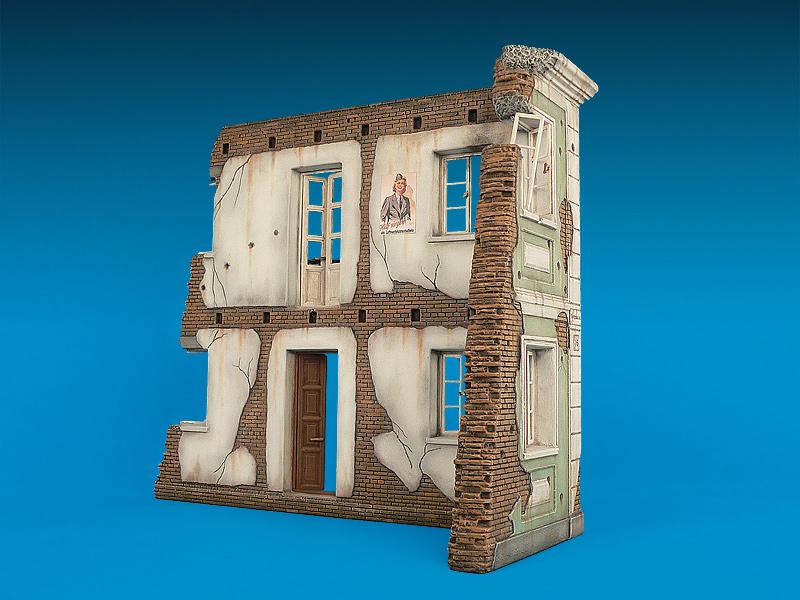 35004 POLISH CITY BUILDING