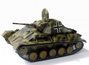 35026 GERMAN  Pz. Kpfw. T-70 743(r) w/CREW
