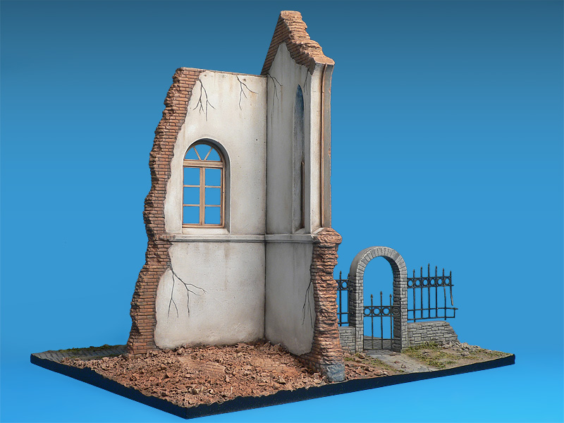 36030 DIORAMA w/RUINED CHURCH