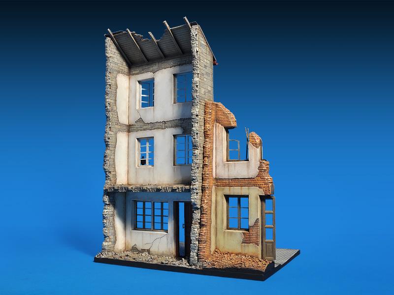 36038ドイツの廃墟の家