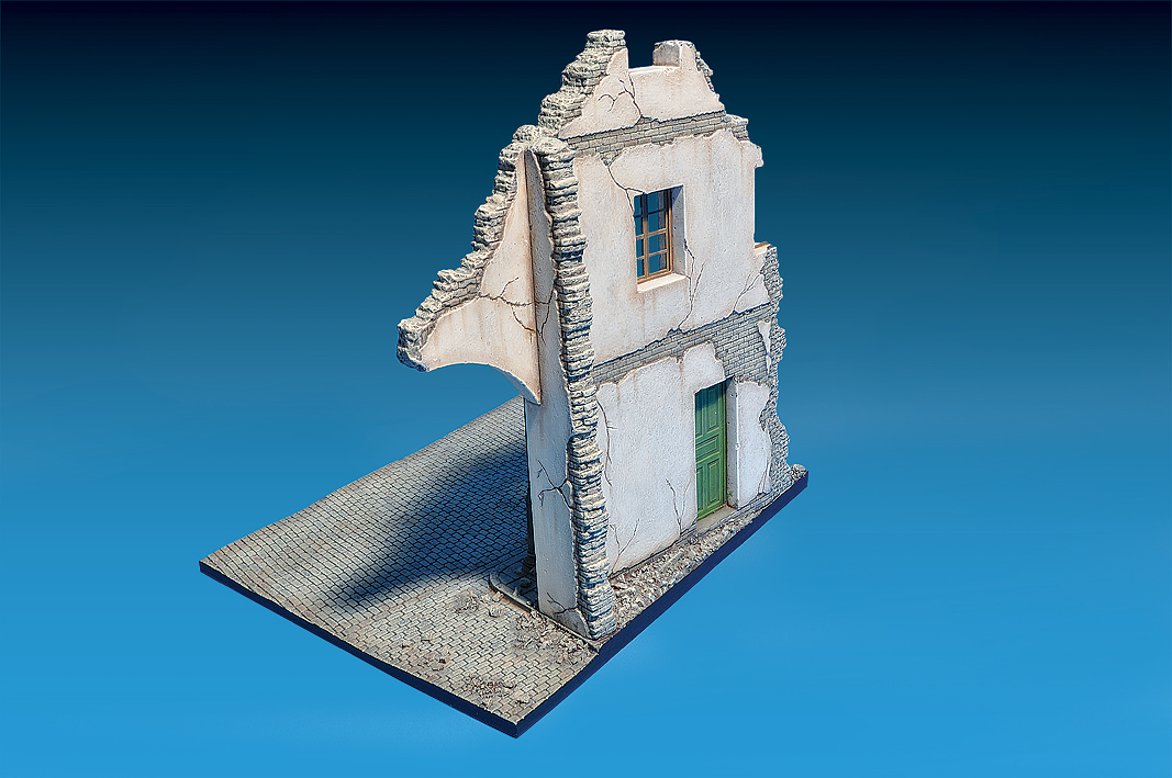 36049 RUINED BUILDING w/BASE