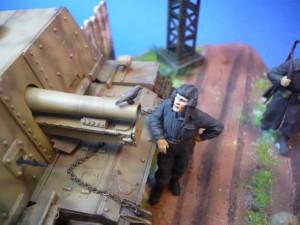 35002 SOVIET INFANTRY ON THE MARCH + 35028 SOVIET GUN CREW AT REST + 35009 SOVIET TANK CREW AT REST + 35529 METAL TELEGRAPH POLES