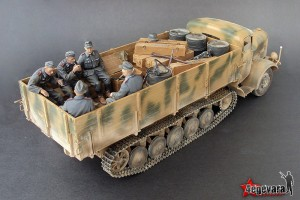 35040 GERMAN ARTILLERY CREW RIDERS