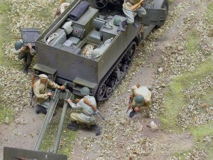 35031 SOVIET ARTILLERY CREW. 35032 SOVIET 76,2 mm DIV FIELD GUN  ZIS-3 w/CREW. 35027 SOVIET OFFICERS AT FIELD BRIEFING