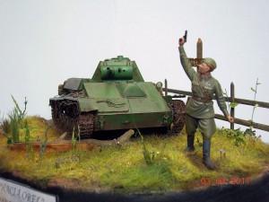 35030 SOVIET LIGHT TANK T-70M Late Prod. w/CREW