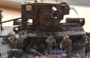35011 GERMAN TANK REPAIR CREW + 35065 GERMAN SOLDIERS AT WORK (RAD)