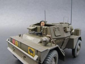 35077 DINGO Mk.III BRITISH ARMORED CAR w/CREW
