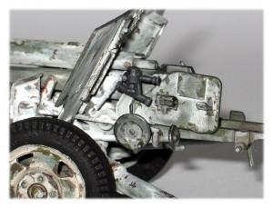35035 SOVIET 57mm ANTI-TANK GUN ZIS-2 w/CREW + 35064 SOVIET 57-mm & 76-mm SHELLS w/AMMO BOXES