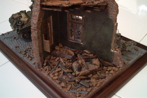 36012 DIORAMA w/RUINED HOUSE