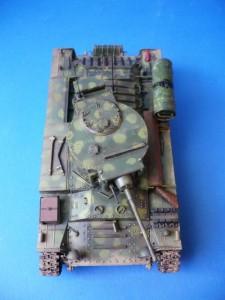 35106 BRITISH INFANTRY TANK Mk.3 VALENTINE Mk V w/CREW