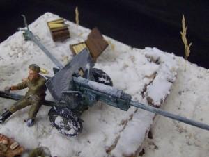 35035 SOVIET 57mm ANTI-TANK GUN ZIS-2 w/CREW