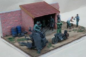 35062 GERMAN SOLDIERS AT REST + 35521 VILLAGE WORKSHOP