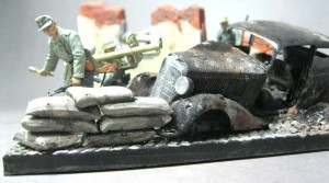 35095 MB TYPE 170V PERSONENWAGEN + 36039 DIORAMA WITH RUINS