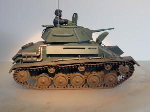35038 SOVIET LIGHT TANK T-80