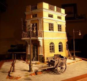 35504 LITHUANIAN CITY BUILDING + 35542 FARM CART + 35523 TRAM SUPPORTS & STREET LAMPT + 35530 STREET ACCESSORIES
