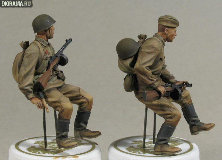 35055 SOVIET SOLDIERS RIDERS