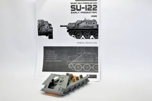 Build up 35181 SU-122 Early Production