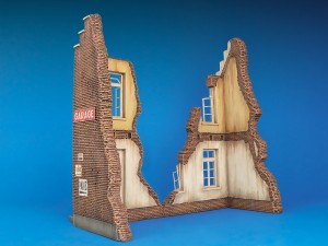 35015 BELGIAN VILLAGE HOUSE