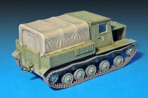 35052 YA-12 SOVIET ARTILLERY TRACTOR