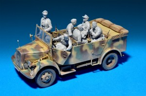 35139 Kfz.70 MB 1500A GERMAN 4×4 CAR w/CREW