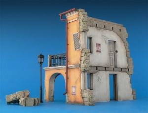 35508 ITALIAN CITY BUILDING
