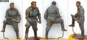 35034 SOVIET TANK AMMO-LOADING CREW SET + Vladimir Demchenko