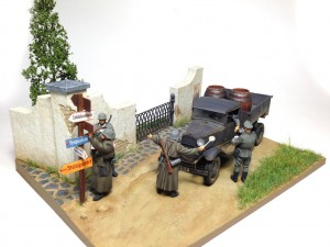 35127 CARGO TRUCK GAZ-AAA + 35556 SHED WITH WOODEN FENCE + 36051 DIORAMA w/PARK WALL