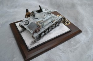 35194 T-70M SOVIET LIGHT TANK w/CREW. Special Edition