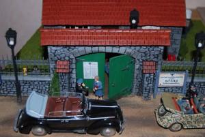 35510 FRENCH VILLAGE HOUSE + 35505 FRENCH FARM GATE + 35107 GERMAN CAR TYPE 170V Cabriolet B