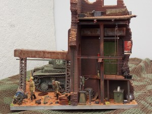 36053 RUINED FACTORY w/BASE + BOUCHER Lionel