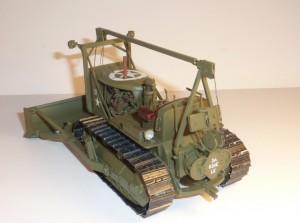 35184 U.S. ARMY TRACTOR w/ANGLED DOZER BLADE + Andrew Dyson