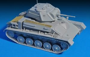 Photos 35243  T-80 SOVIET  LIGHT  TANK w/CREW. SPECIAL EDITION
