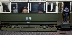 Photos 38009   EUROPÄISCHE TRAM mit der Besatzung und der Passagiere